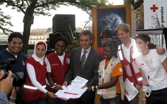 Presentation of the 2009 Red Cross and Red Crescent Youth Declaration